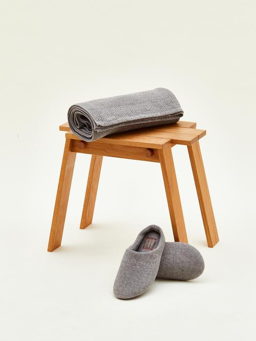 20200521-02-monocle-sp-towel-slipper-stool_005_.jpg