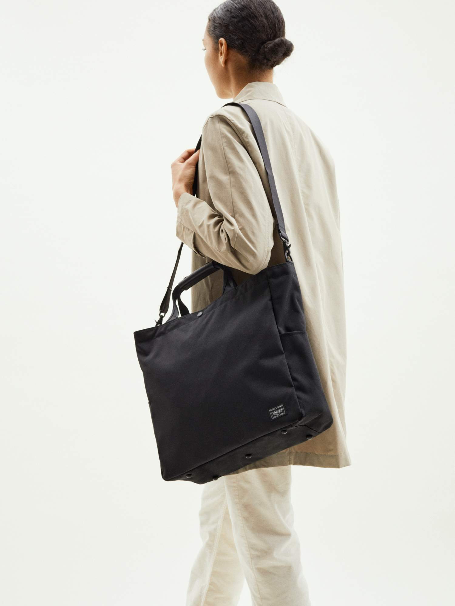 20201204-zip-tote-black-sp_190.jpg