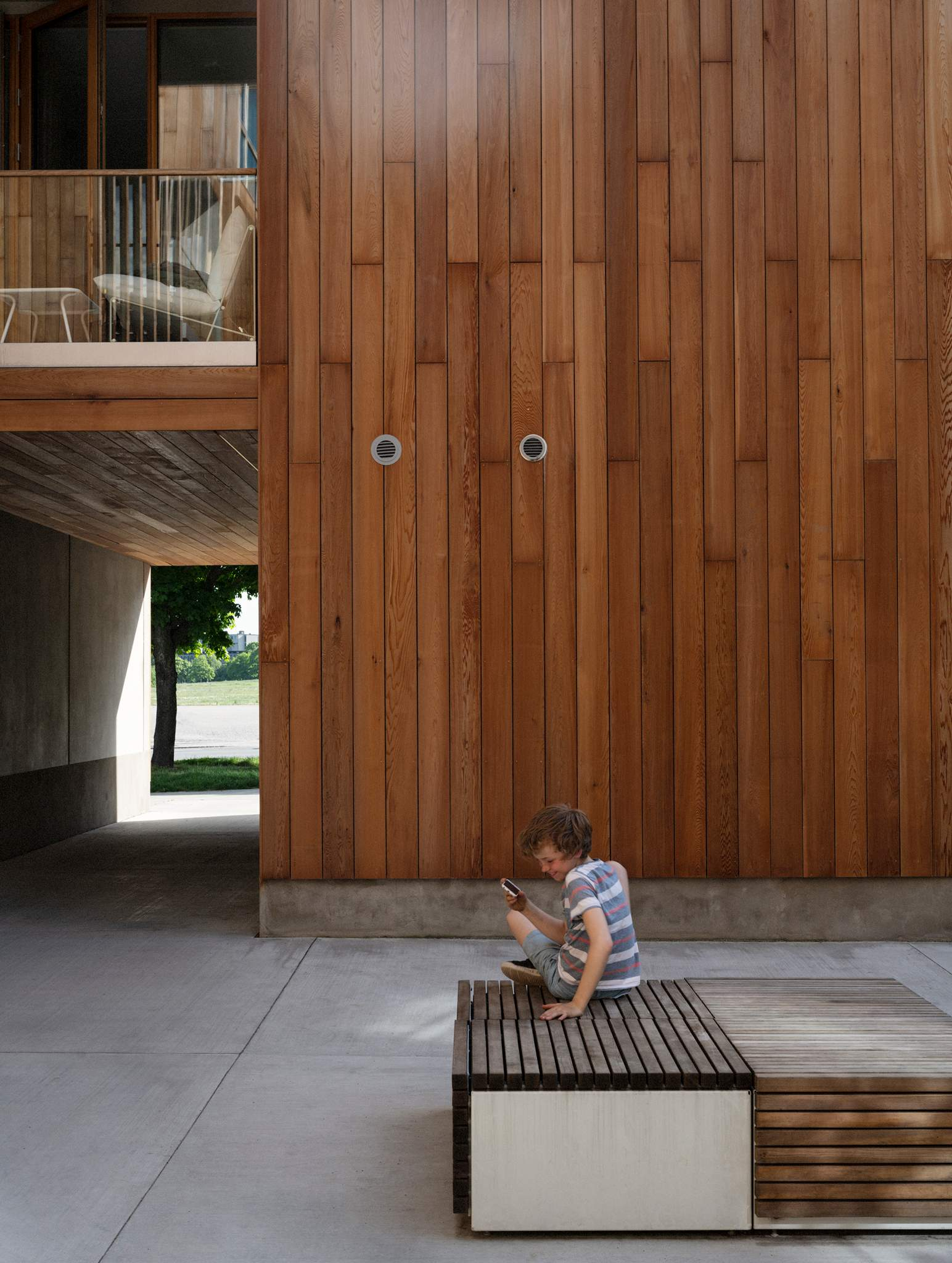 courtyard_unknown-kid_1591.jpg