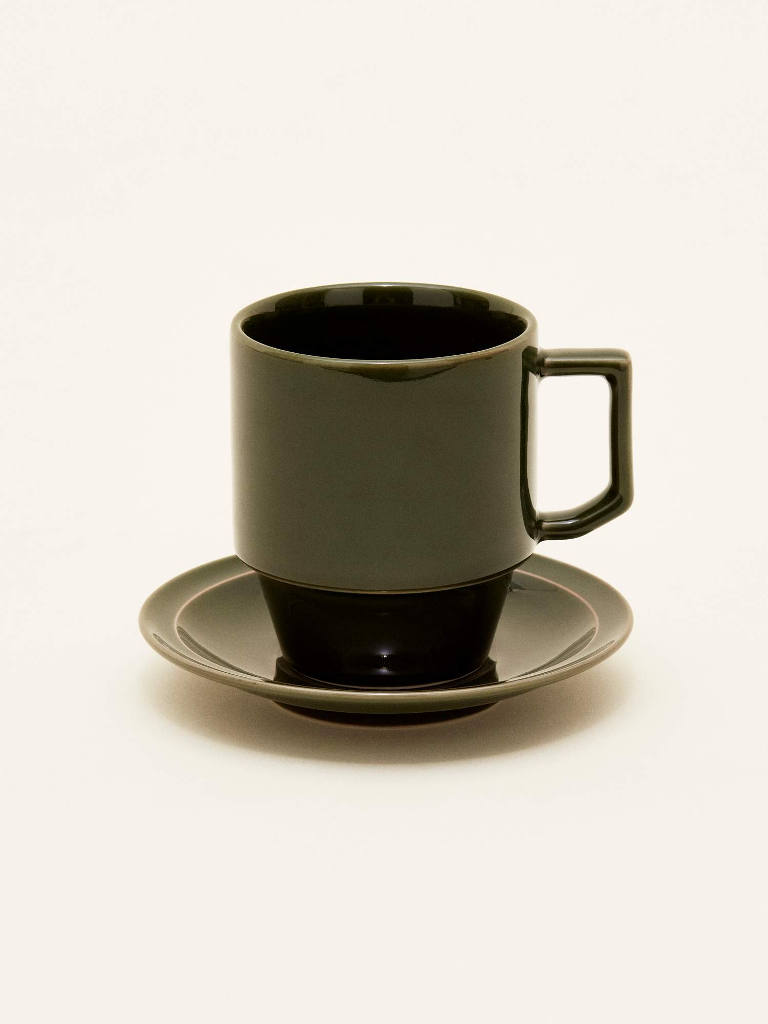 hasamiyaki-cup-with-saucer-large-002.jpg