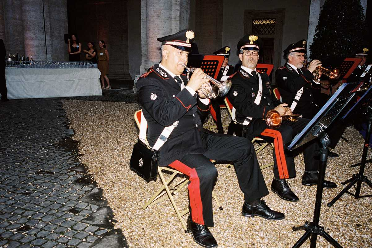 Carabinieri military band warming up