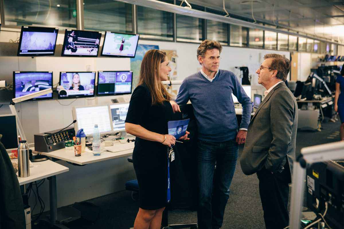 Chief presenter Jan Hofer (right) briefing colleagues