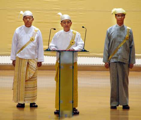 Thein Sein makes a speech in Naypyiadaw