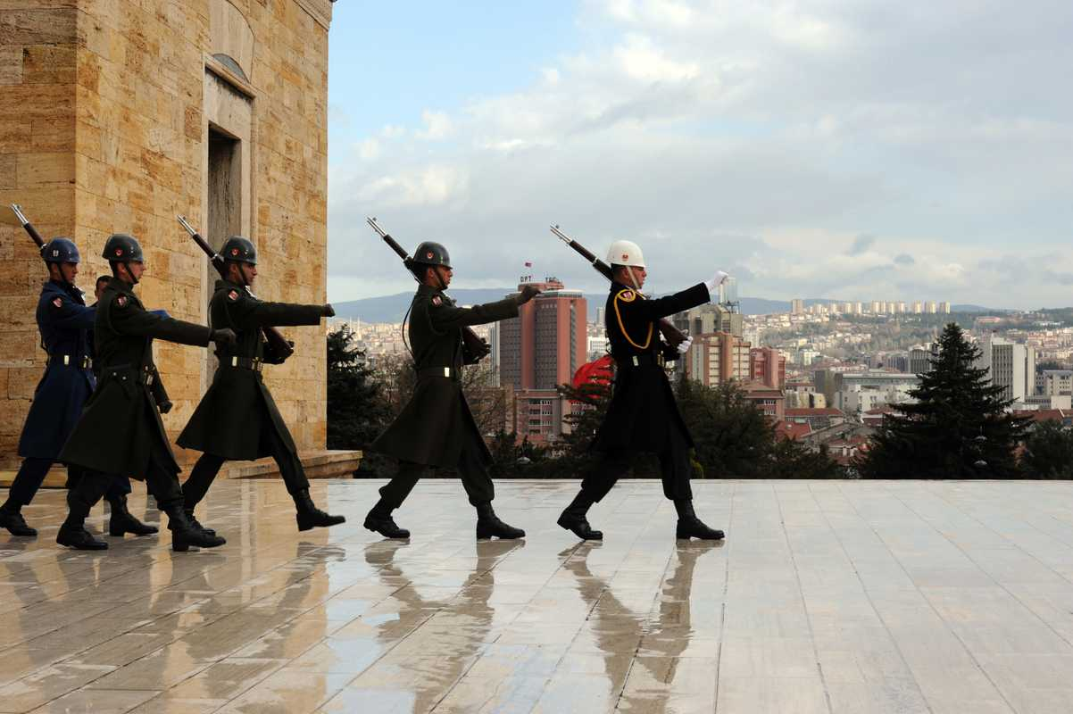 Soldiers outside the Anitkabir mausoleum