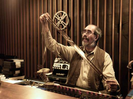 Emilio Hernández recovering and digitalising Mexican film sound archives at Estudios Churubusco, a film studio that has been operating since the 1940s