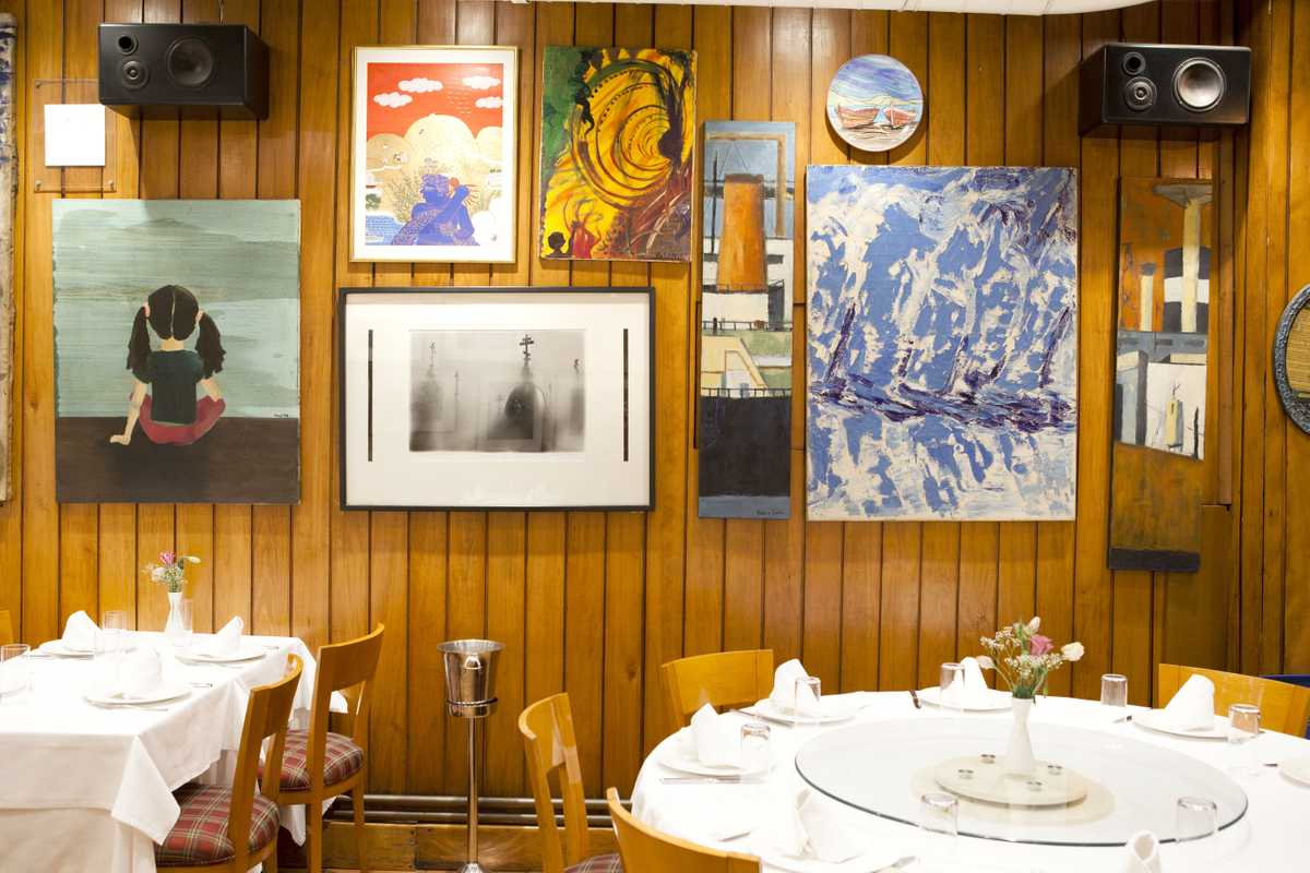 The walls of the restaurant are adorned with the works of Turkish artists and photographers, including Güler