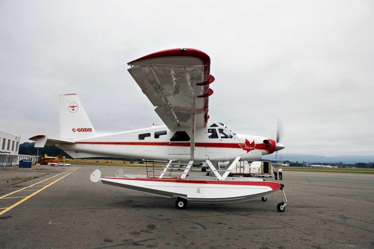 Olivia, an old de Havilland DHC-2 Beaver restored by Viking