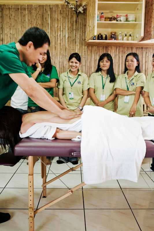 Massage class at Fine International Training