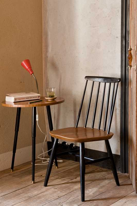 Simple chair and reading table