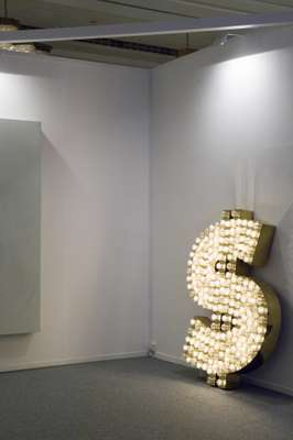Tim Noble and Sue Webster's $ at Galeria Mário Sequeira