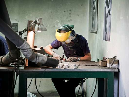Metal-cutting workshop at Ultratech Rzeszó