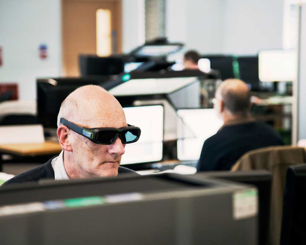 Stereoscopic glasses used for working on imagery captured by the OS