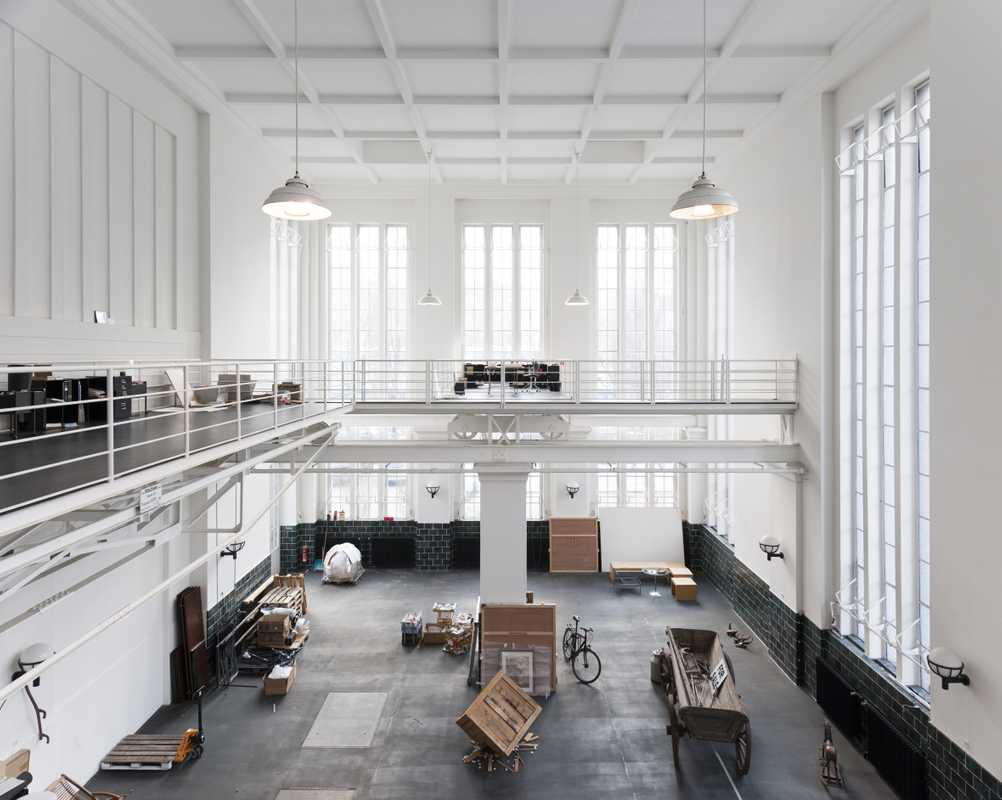 The vast studio space with its moveable mezzanine