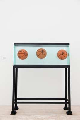 Jeff Koons' 'Three Ball Total Equilibrium Tank'