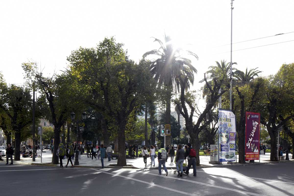 Pedestrians at Plaza Victoria