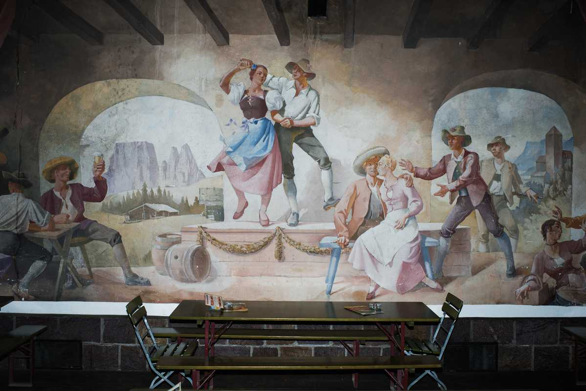 Tyrolean mural in the brewery's beergarden