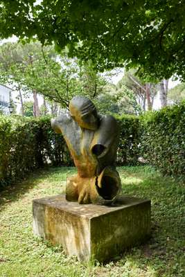 Bronze sculpture by Cristiano Alviti in the club's garden