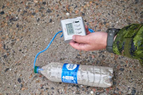 Demonstration of an improvised IED