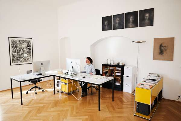 Karin Novozamsky working in her office in Mehlplatz