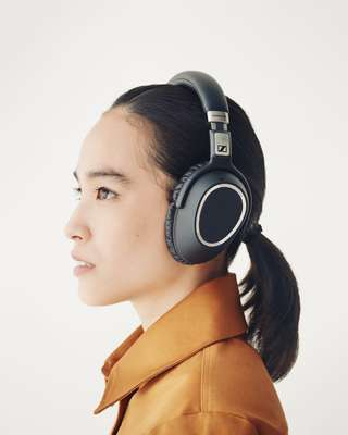 Jacket by Barena Venezia, headphones by Sennheiser