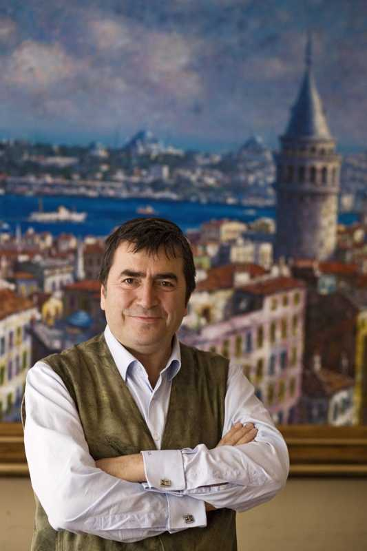 Ugur Bekdemir, owner of Asmalimescit Art Gallery