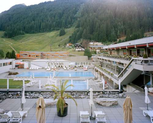 Felsentherme's outdoor thermal spa