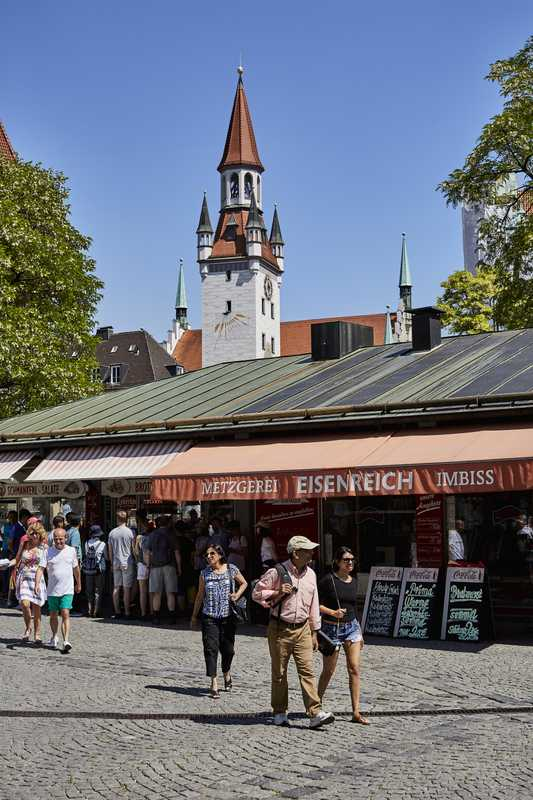 Viktualienmarkt is the gastronomic heart of Munich