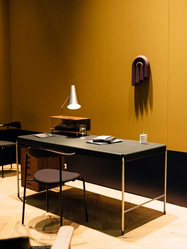 Arne Jacobsen's Society Table for Carl Hansen & Søn