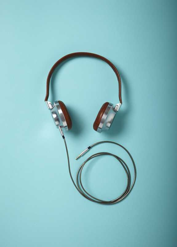 Founded by friends Raphaël Lebas and Baptiste Sancho, Parisian audio start-up Aëdle's first headphones are music to our ears.