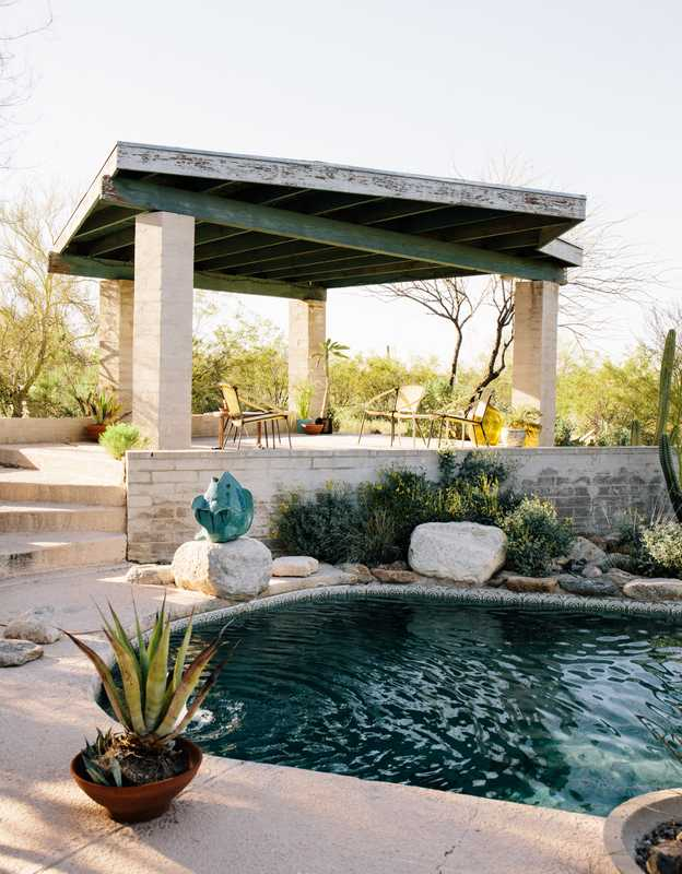 A desert modernist patio and pool