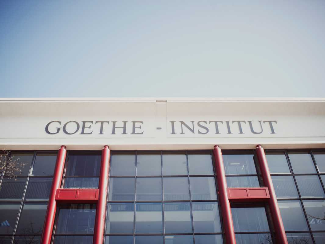 The main entrance of the Goethe-Institut in Munich