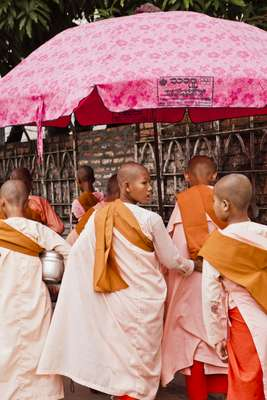 Buddhist nuns in Rangoon
