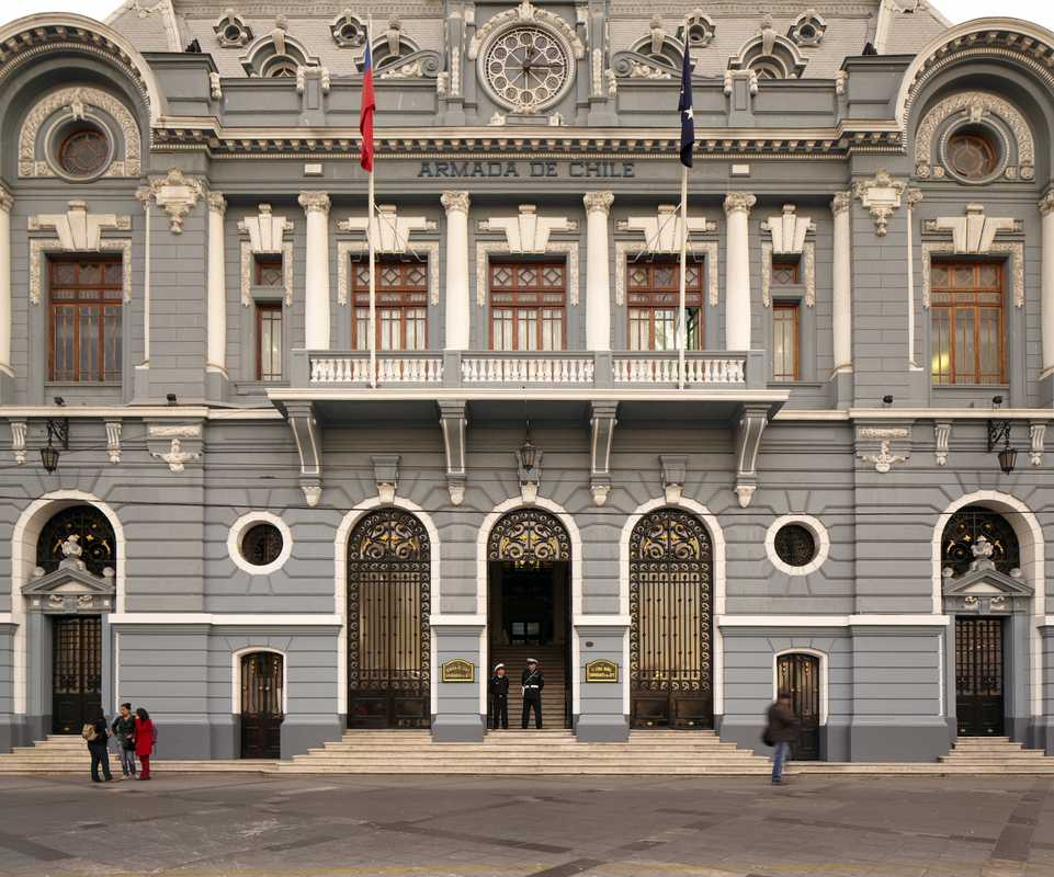 Headquarters of the Chilean Navy, Plaza Sotomayor