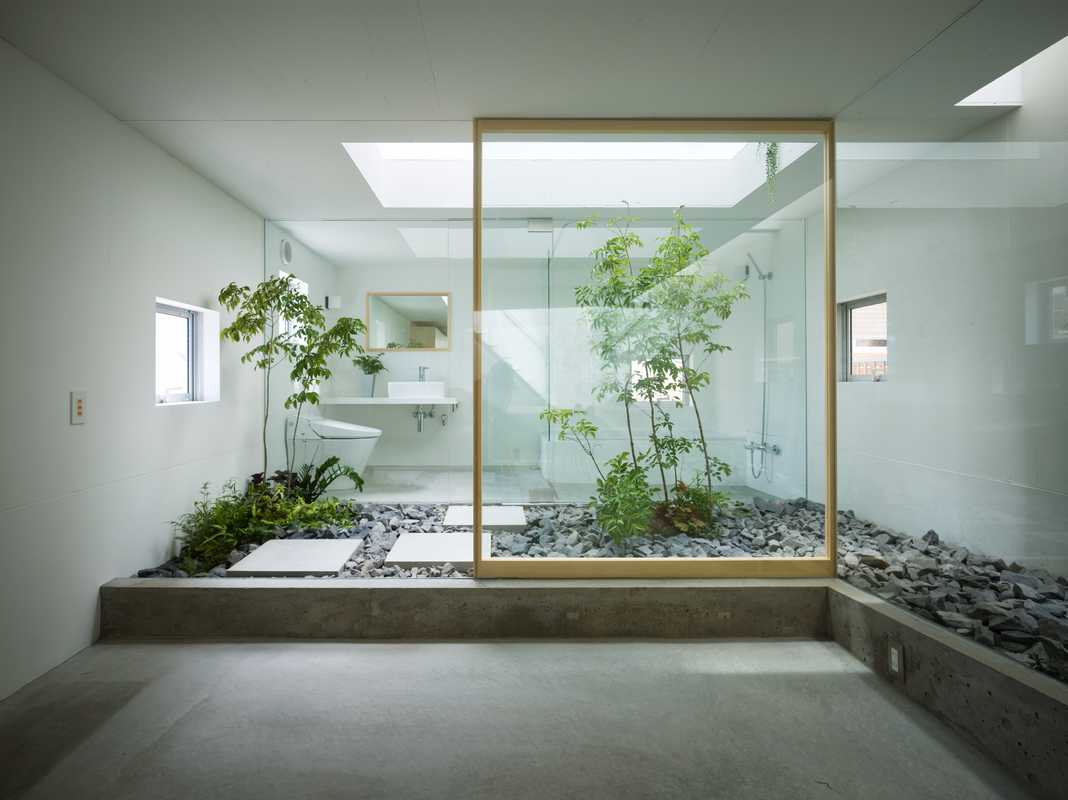 The bathroom gets back to nature