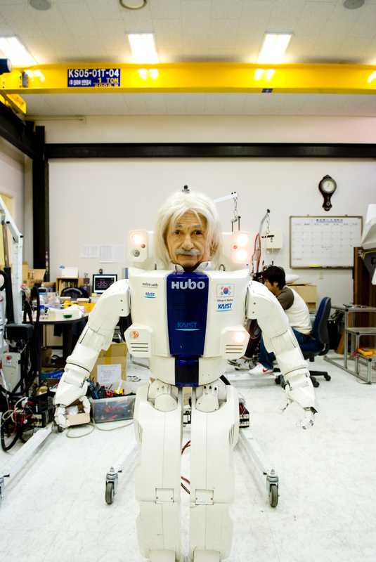 Albert Hubo the humanoid robot