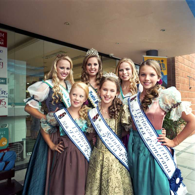 'Princesses' at the Festa Pomerana