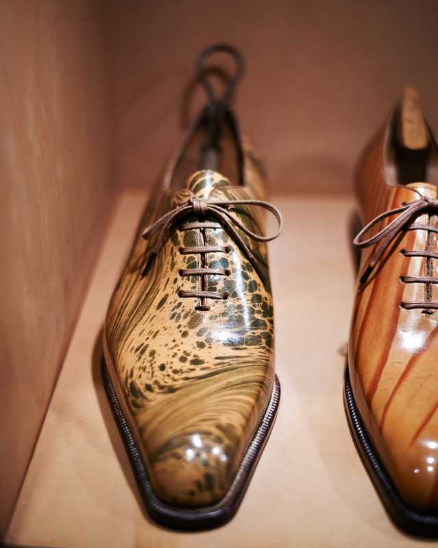 Fukaya's Oxford hall cut shoe