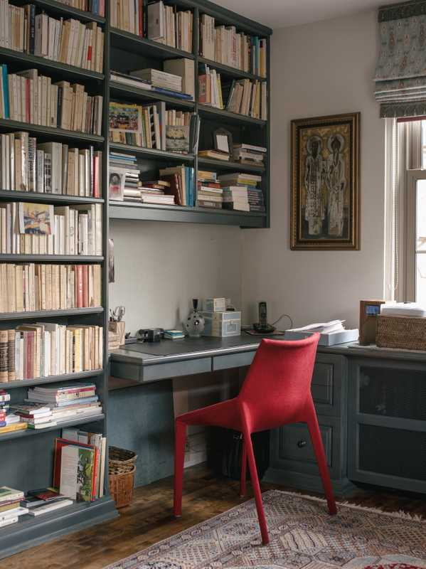 Nicole Brodeur's book-lined office