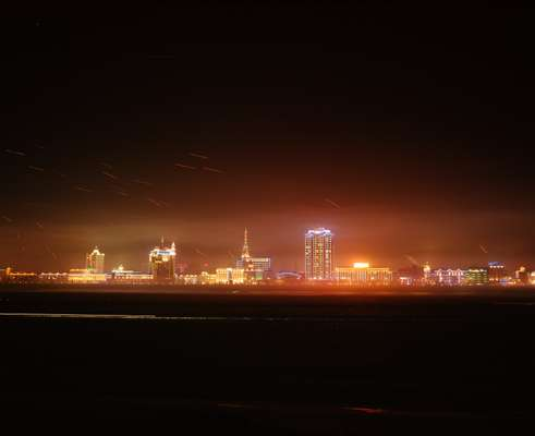 Heihe at night seen from Russia