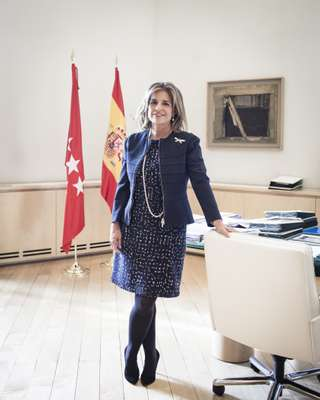 Mayor Ana Botella in her office