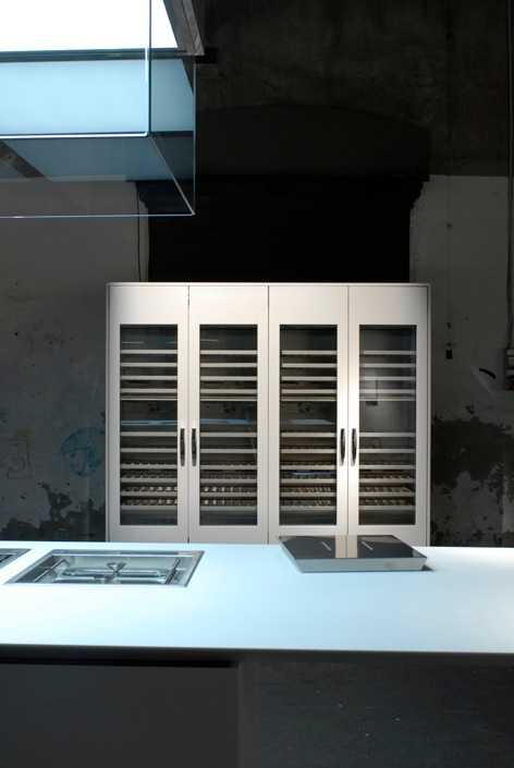Boffi's 'Duemilaotto' storage system by Piero Lissoni with 'Ghost' hood