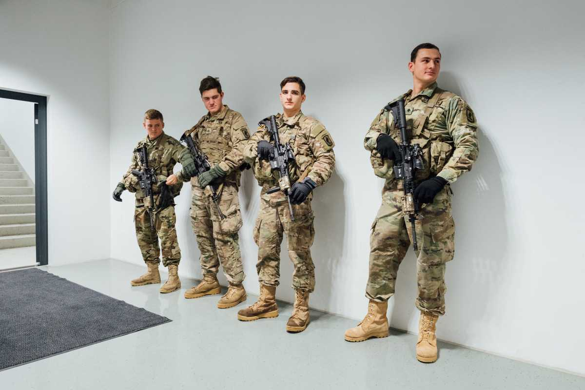 US soldiers kitted out