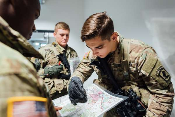 US troops make plans at Tapa army base