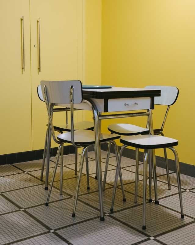 Formica chairs at Véronique Willman's