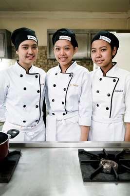 Cookery students at Punlaan School
