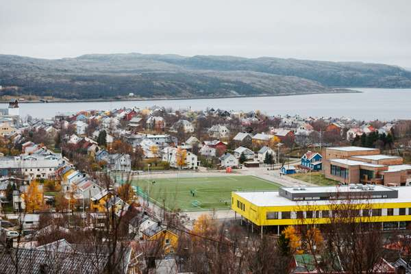 Kirkenes, with its newly built school (yellow) and swimming facilities (behind the school)