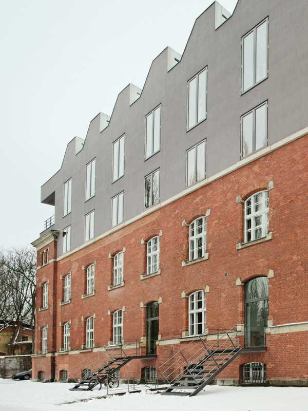 Two floors of studio and administration spaces have been added to the 1902 barracks building