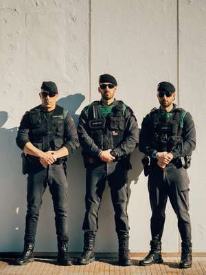 Agents after a highway anti-narcotics op
