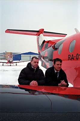 Dexter pilots Eduard Yevtyukhin (right) and Sergei Tyurin