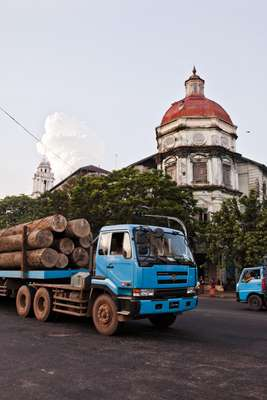 Logging truck on The Strand